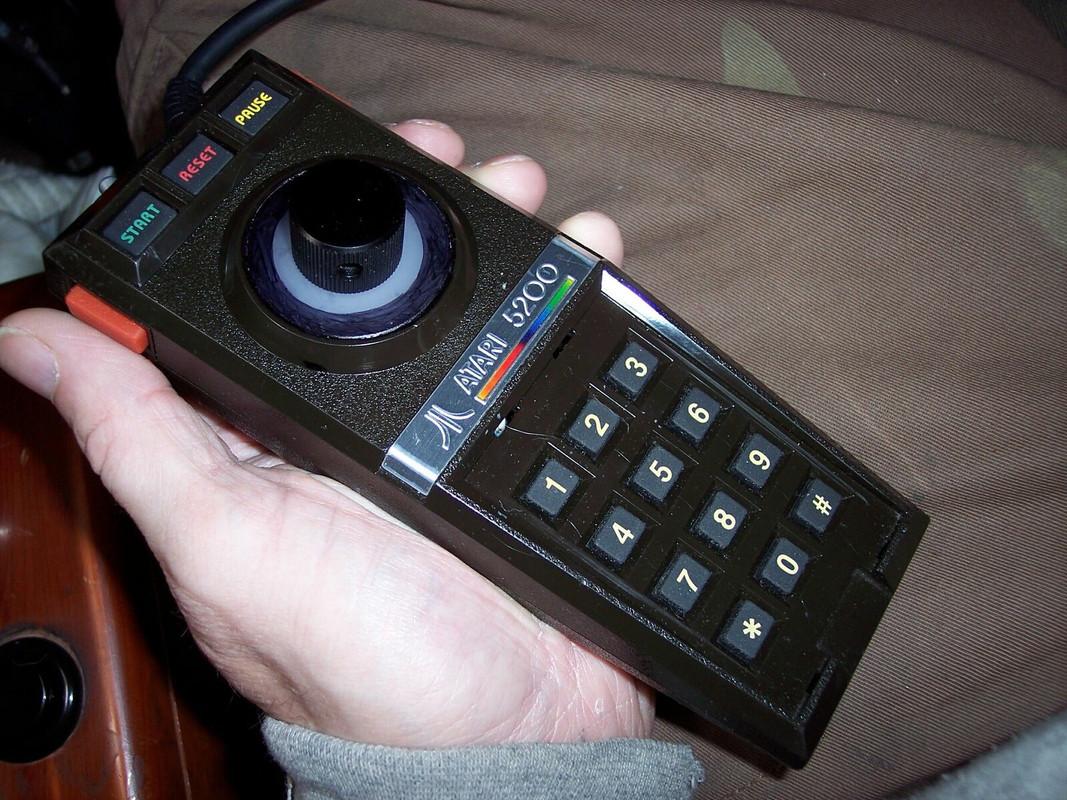 Atari-5200-controller.jpg