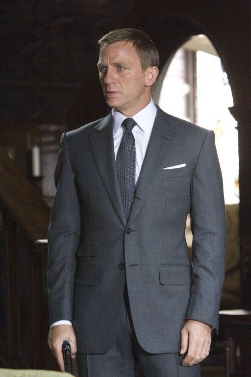 https://i.postimg.cc/XVY119pr/Quantum-Cut-Scene-Grey-Suit.jpg?dl=1